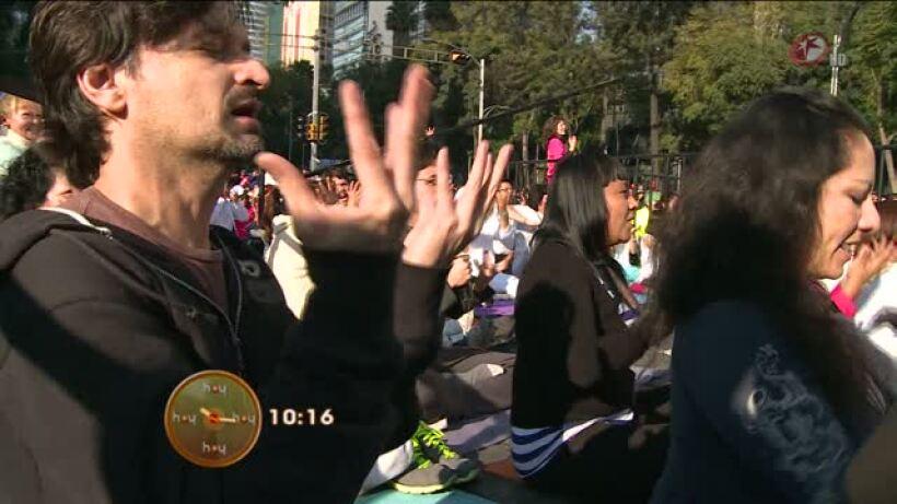 Morris: Clase de yoga masiva