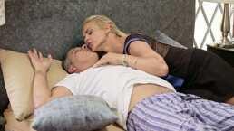"""""""Es jueves y el cuerpo lo sabe"""": Niurka intenta seducir a Julio Bracho en 'Alma de ángel'"""