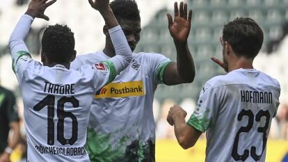 Con goles de Lars Stindl y doblete de Jonas Hofman, el Borussia M'Gladbach no tiene piedad sobre el Wolfsburg y se lleva las tres unidades.