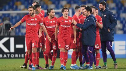 Con goles de Federico Chiesa y Dušan Vlahović, la Fiorentina gana y se lleva los tres puntos en el Estadio San Paolo.