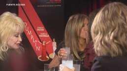 Sandra Bullock y Jennifer Aniston sorprenden al besarse en la boca