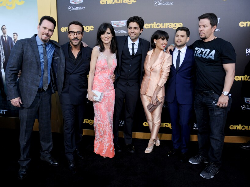 Kevin Dillon, Jeremy Piven, Perrey Reeves, Adrian Grenier, Constance Zimmer, Jerry Ferrara, Mark Wahlberg