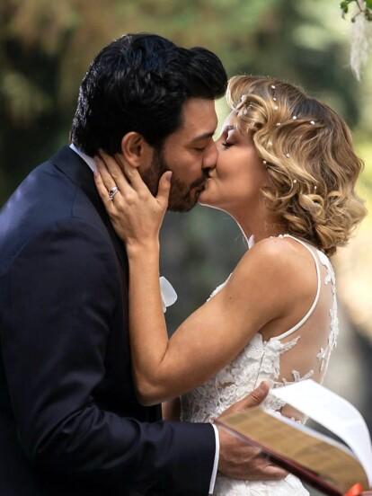 Angelique Boyer deslumbró con su belleza en el gran final de 'Imperio de Mentiras', donde 'Elisa' y 'Leonardo' (Andrés Palacios) culminaron su amor en el altar. A continuación, te compartimos las ocasiones en las que los personajes de la actriz se casaron, algunos por amor, otras por resignación y otras por conveniencia.