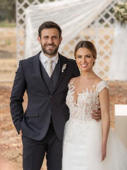 Tras varios meses de ocultar su amor, 'Gabriel' y 'Alexa' pudieron unir sus vidas en una bella ceremonia al lado de sus seres queridos.