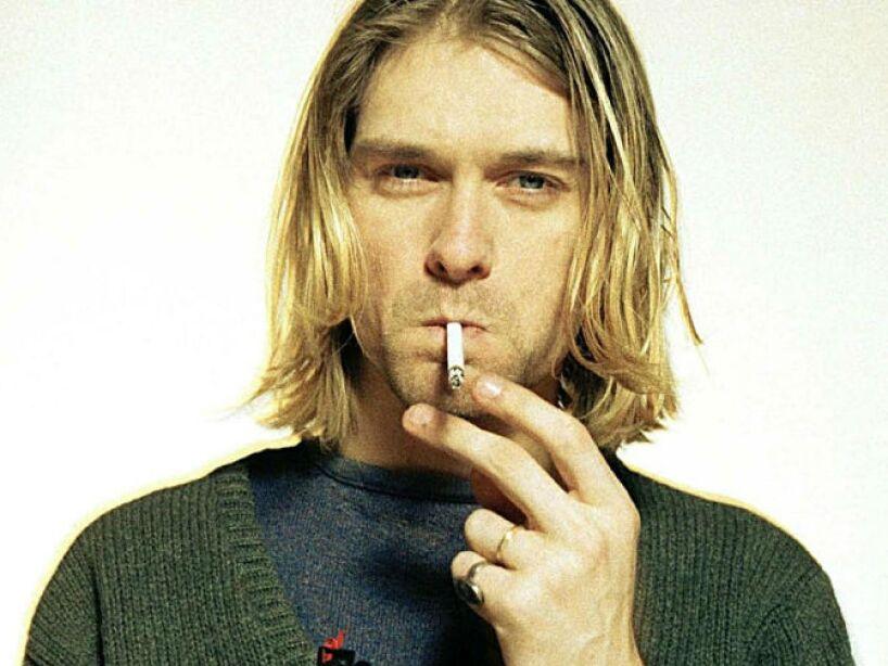 19. Kurt Cobain: Fue encontrado muerto en 1994, dicen que su pareja Courtney Love lo mandó asesinar.