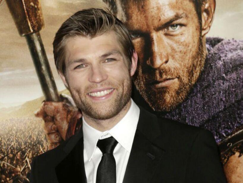 Liam McIntyre es un actor australiano conocido por haber interpretado a Espartaco en Spartacus: Vengeance.