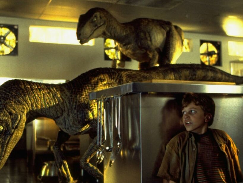 Velociraptor (Jurassic Park 1, 2 y 3): su nombre significa ladrón veloz, vivió hace unos 70 a 65 millones de años.