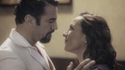 El primer beso de Julia y Emiliano