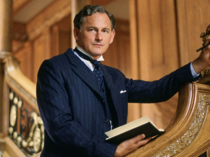 9. Victor Garber: Su sexualidad no es un secreto, igual interpretó heteros en Sleepless in Seattle y Legally Blonde.