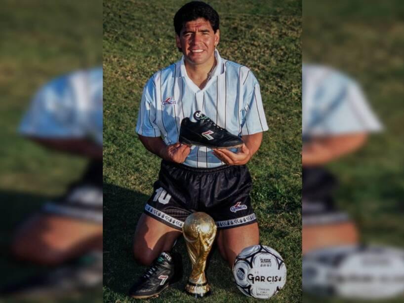 3 Maradona.jpg