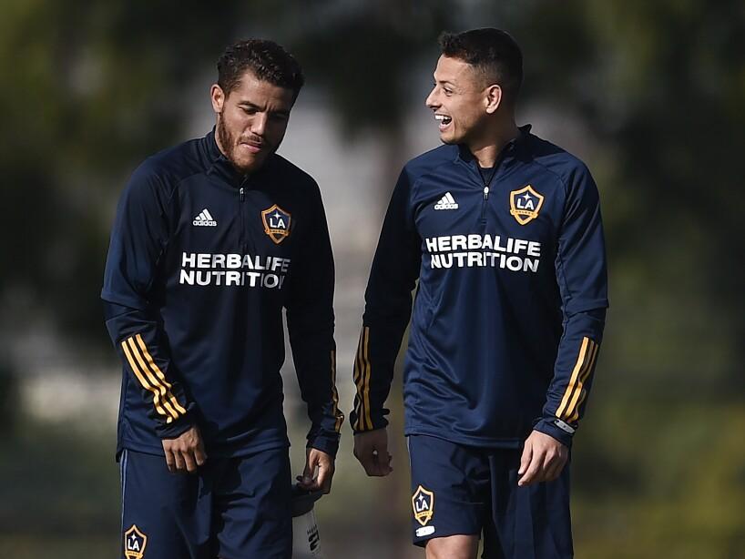 Javier Hernández y Jonathan dos Santos