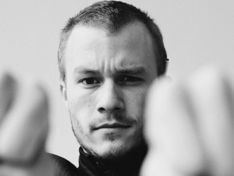 8. Heath ledger: Este chico murió a los 28 años, en el 2008 en su apartamento de New York.