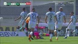 ¡Atajada excelsa! Julio González evita el primero del Pachuca