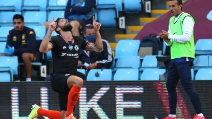 El Chelsea de Lampard remontó al Aston Villa 1-2 con goles de Pulisic y Giroud para seguir en puestos de Champions; John Terry y los 'Villans' se hunden penúltimos en zona de descenso.