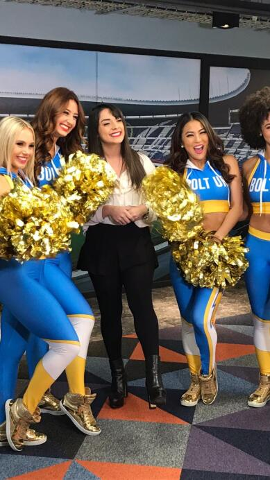Chargers Cheerleaders 22.jpeg