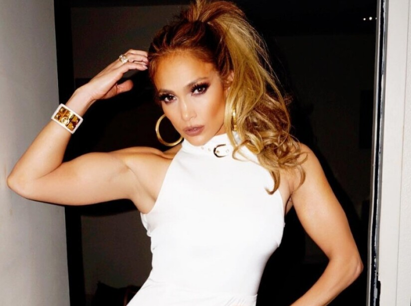 Secrets of Jennifer Lopez to keep her sexy figure