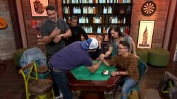 Mauricio Mancera y Paul Stanley protagonizan una 'guerra de pasteles', ¡descubre por qué!