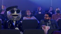 Disco Ball llega a ¿Quién es la Máscara? 2020 irradiando el brillo de su sonrisa