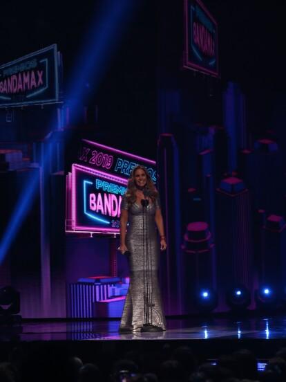 Lucero fue la presentadora de los Premios Bandamax 2019, a continuación, te compartimos sus mejores momentos.