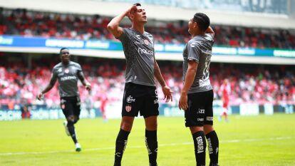 En un partido de volteretas, el Necaxa derrota a domicilio al Toluca 2-3 en un juego entretenido con gol de penal de Mauro Quiroga en el tiempo agregado.