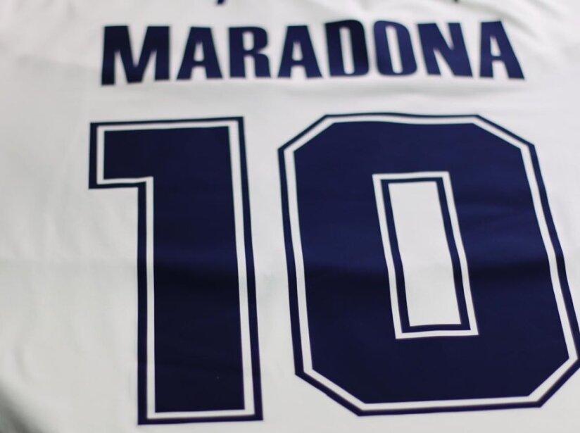 Maradona 10.jpg