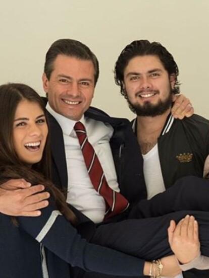 Mónica Pretelini, quien fuera la esposa del expresidente Enrique Peña Nieto por 14 años, falleció el 11 de enero de 2007, por ello en su aniversario luctuoso sus hijos, Paulina, Alejandro y Nicole, la recordaron con emotivos mensajes en sus cuentas de Instagram.