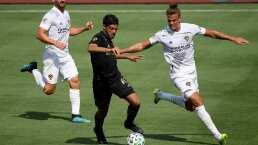 Por fin puede haber un duelo Chicharito-Vela en MLS