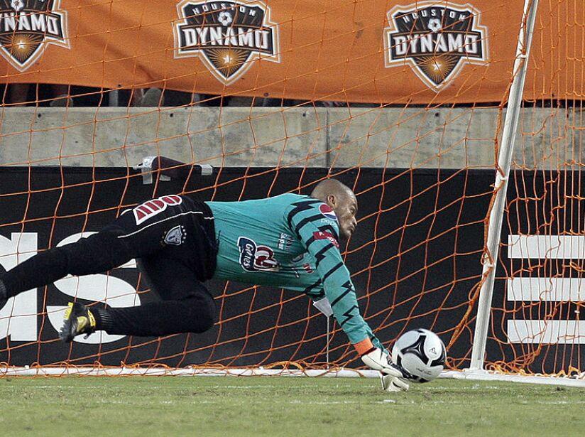 SuperLiga 2010 - Houston Dynamo v Pachuca