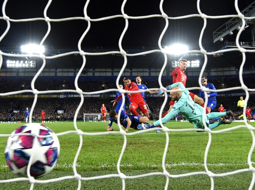 Chelsea FC v FC Bayern Muenchen - UEFA Champions League Round of 16: First Leg
