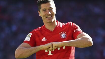 Lewandowski ha sido galardonado en tres ocasiones con el 'Torjägerkanone', premio al mayor goleador de la temporada en la Bundesliga.