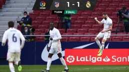 Goles, polémica, errores: derbi de espectáculo en Madrid