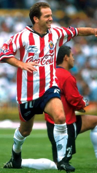 6 Luis García CHIVAS (1).jpg