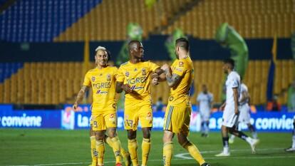 Con goles de Luis Quiñones, André-Pierre Gignac y Eduardo Vargas, Tigres viene de atrás y se queda con los tres puntos.