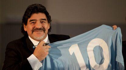 Maradona es amado, venerado e idolatrado en Napoli. Hace 29 años jugó contra la Sampdoria y perdió 4-1, sin saber que ese sería su último partido con los del sur de Italia.