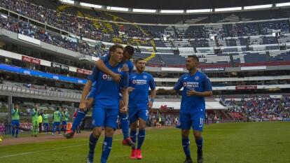 Con goles de Santiago Giménez, Jonathan Rodríguez y Juan Escobar, Cruz Azul consigue la voltereta y se lleva los tres puntos en el estadio Azteca.