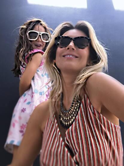 Fey es una de las famosas más celosas de su vida privada, por lo que son pocas las veces que muestra en sus redes sociales fotografías de su única hija. Sin embargo, con motivo del cumpleaños número 10 de Isabella, la cantante compartió una serie de imágenes de la pequeña, impactando a sus seguidores con lo grande que luce la pequeña.