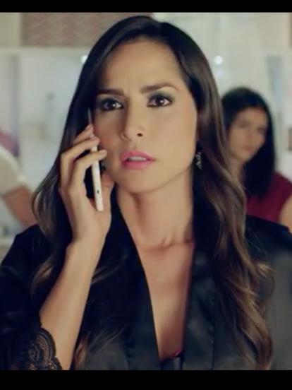 Luego de protagonizar tres exitosas temporadas de la serie colombiana 'Sin senos sí hay paraíso', Carmen Villalobos, quien interpretó a 'Catalina Santana', sorprendió en días recientes con radical cambio de look.