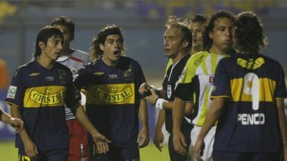 Héctor 'el Sansón' Reynoso fingió escupir y sonarse la nariz frente a un rival en plena contingencia por el virus de la influenza. Lo hizo hace poco más de 10 años, enfrentando al Everton de Chile, en la Copa Libertadores. Aquí, te recordamos esa curiosa anécdota.
