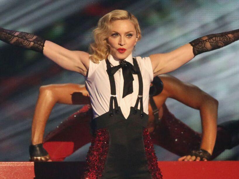 9. Madonna: La Reina del Pop siempre se ha rebelado contra la religión, a través de sus videos y actuaciones.