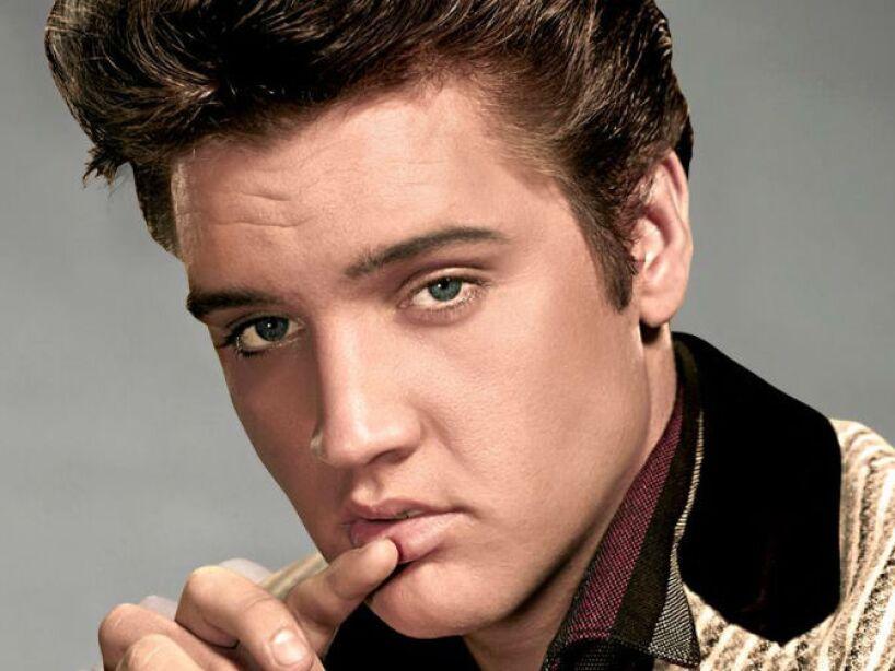 11. Elvis Presley: En 1977,lo encontraron en el baño de su casa. Según el informe oficial, él murió de un ataque al corazón.