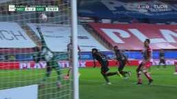 ¡Qué reacción! Luis Malagón le quita el tercer gol a Ángel Mena
