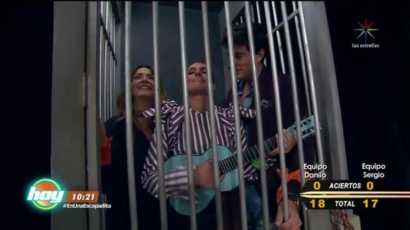 ¡Andrea y Galilea le cantan y encantan a Danilo Carrera!