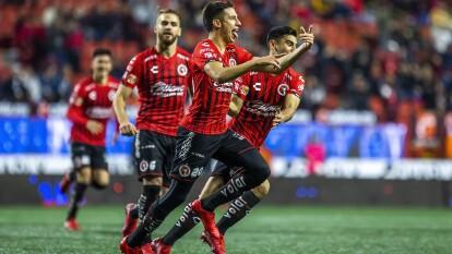 Con goles de Mauro Lainez, Alexis castro y Leonardo González, Xolos le gana a Pachuca y vuelve a saborear la victoria.