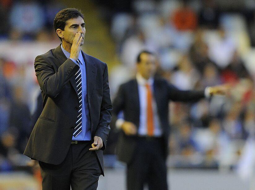 Zaragoza's coach Jose Aurelio Gay reacts