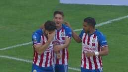 ¡Ya lo gana Chivas! Briseño de cabeza venció a Guzmán