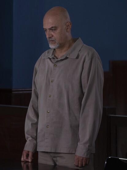 """El gran final de """"Vencer el Desamor"""" estuvo lleno de emocionantes escenas que nos cautivaron, como el juicio de 'Lino', quien no murió de la puñalada de 'Dafne'. El juez lo sentencia a 120 años en prisión."""