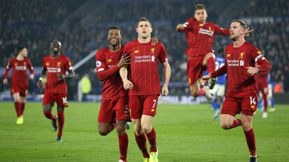 Liverpool extiende distancia de 13 puntos sobre Leicester en la Premier League. Goles de Firmino (31' y 74'), James Milner (71') y Trent-Alexander Arnold (78') marcaron para los Reds.