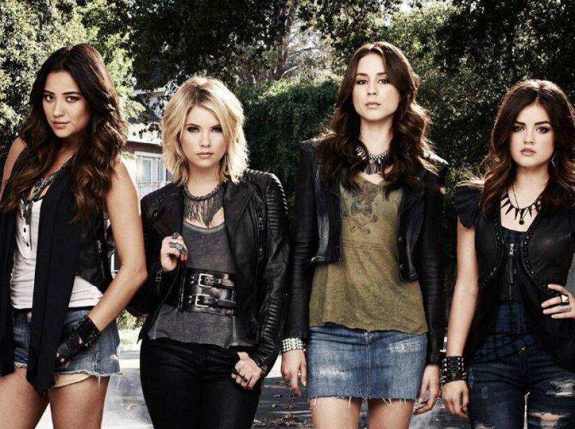 5. Pretty Little Liars: (2010 Actualidad). Cuatro amigas se reúnen un año después de que la líder del grupo desapareciera.