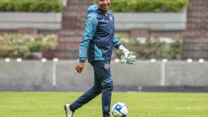 Óscar Pérez se mostró feliz durante la práctica.