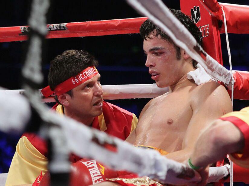 Sebastian Zbik v Julio Cesar Chavez Jr.
